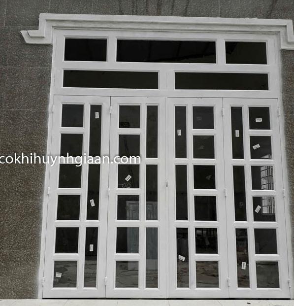 mẫu cửa sắt ốp kính hiện đại