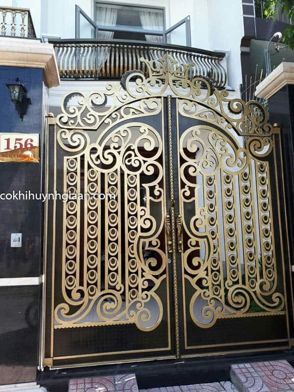 Cửa cổng sắt biệt thự đẹp 001