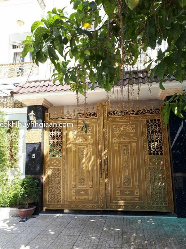 Cửa cổng biệt thự đẹp 002
