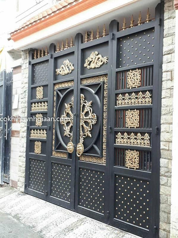 Cửa cổng sắt biệt thự đẹp 010
