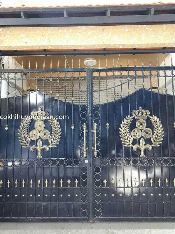 Cửa cổng sắt biệt thự đẹp 011
