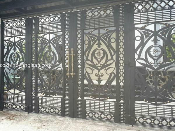 Cửa cổng sắt mỹ thuật đẹp 013