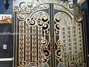 Cửa cổng sắt mỹ thuật biệt thự
