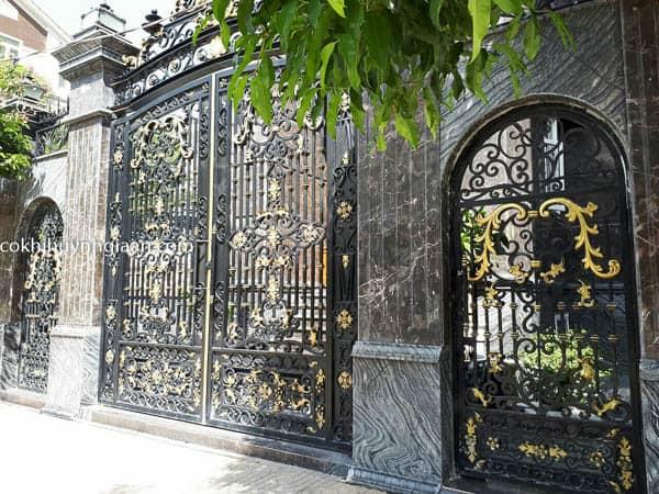 Cửa cổng sắt biệt thự sang trọng