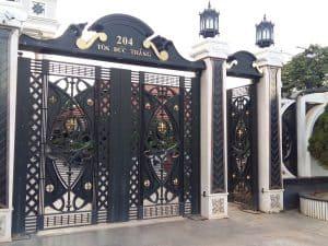 cửa cổng mỹ nghệ đẹp