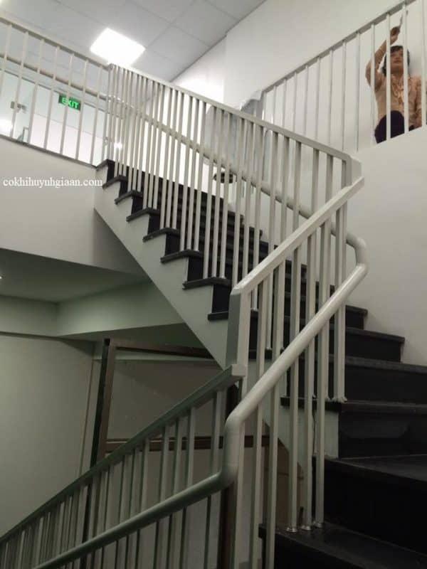 Cầu thang sắt đẹp được ưa chuộng