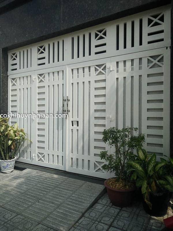 cửa cổng sắt hiện đại tphcm