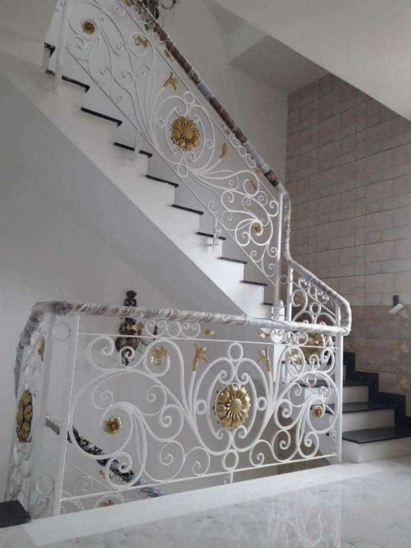 cầu thang sắt uốn mỹ thuật đẹp