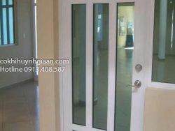 cửa sắt kính 1 cánh