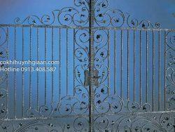 cửa cổng sắt uốn mỹ thuật