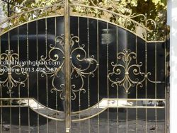 cửa sắt uốn đẹp cho biệt thự
