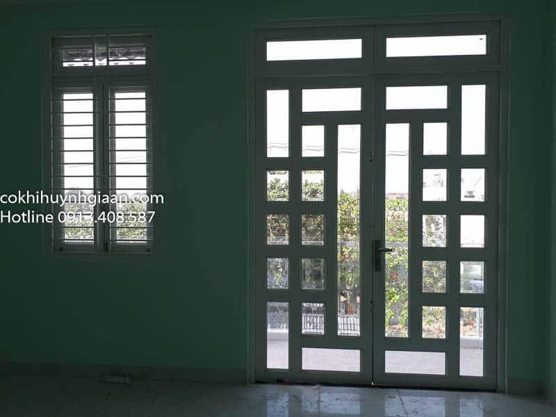 Cửa đi và cửa sổ pano