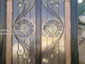 cửa đi sắt mỹ thuật đẹp
