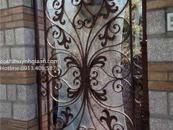 cửa sắt uốn mỹ thuật đẹp