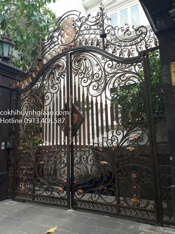 Mẫu cửa cổng mỹ thuật đẹp 042