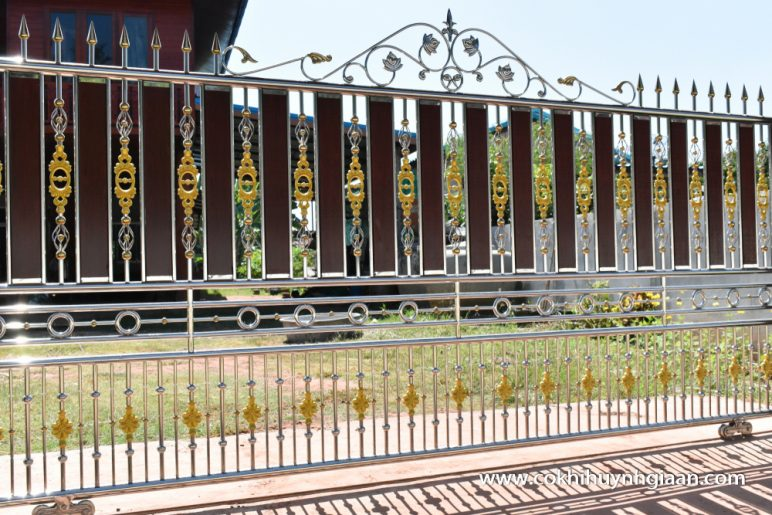 Cửa cổng inox CCI003
