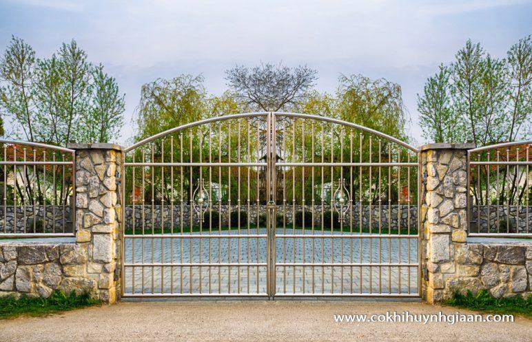 Cửa cổng inox CCI004