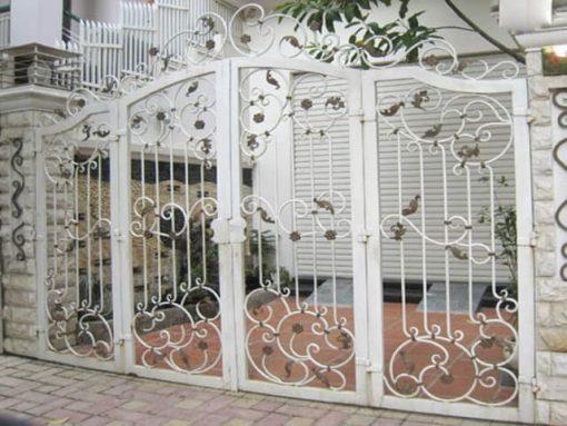 cổng sắt uốn mỹ nghệ