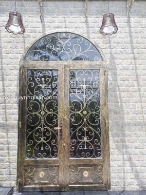 cửa đi sắt kính uốn đẹp