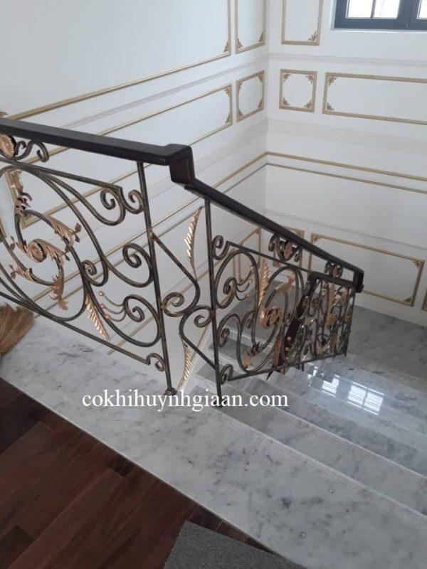 Cầu thang sắt uốn mỹ thuật