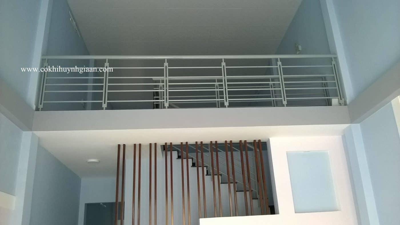 Lan can sắt và cầu thang sắt hộp