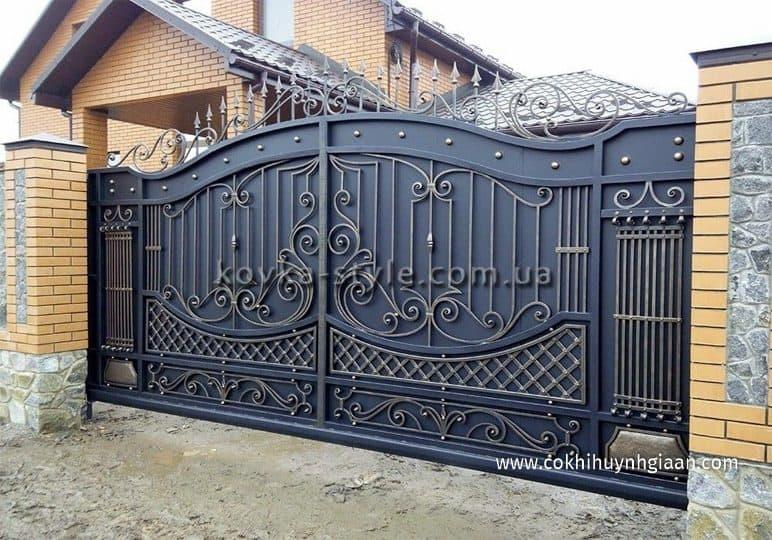 Cổng nhà đẹp bằng sắt 2 cánh