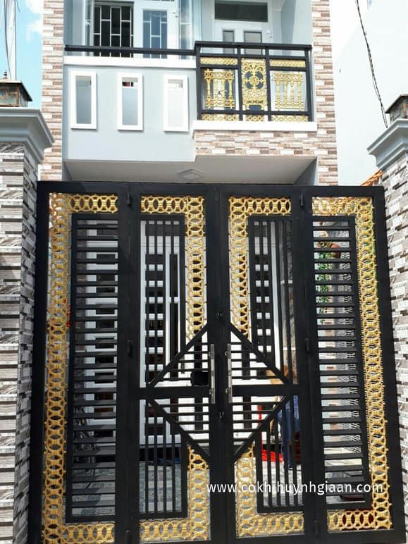 Mẫu cửa sắt 4 cánh đẹp và đơn giản nhiều người ưa chuộng