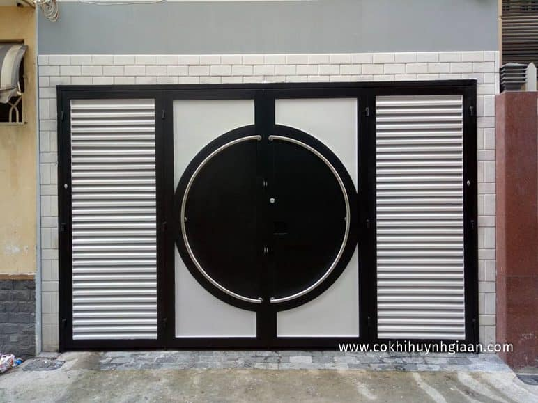 Mẫu cửa sắt pano 4 cánh đẹp