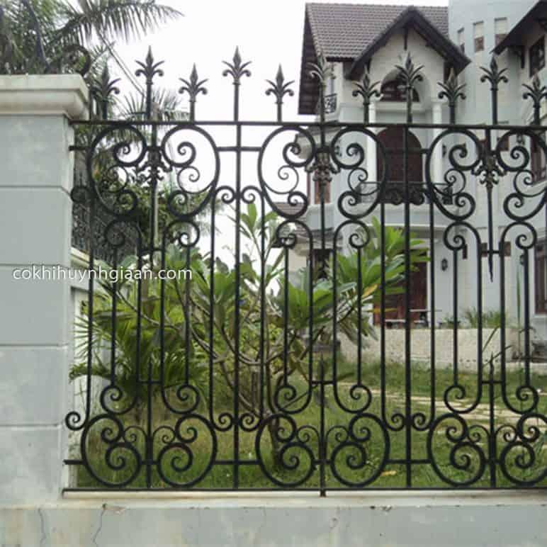 Hình ảnh Hàng rào sắt mỹ thuật đơn giản