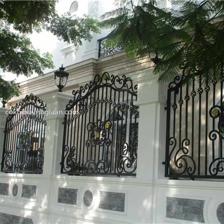 Hàng rào sắt mỹ thuật đẹp dành cho nhà phố
