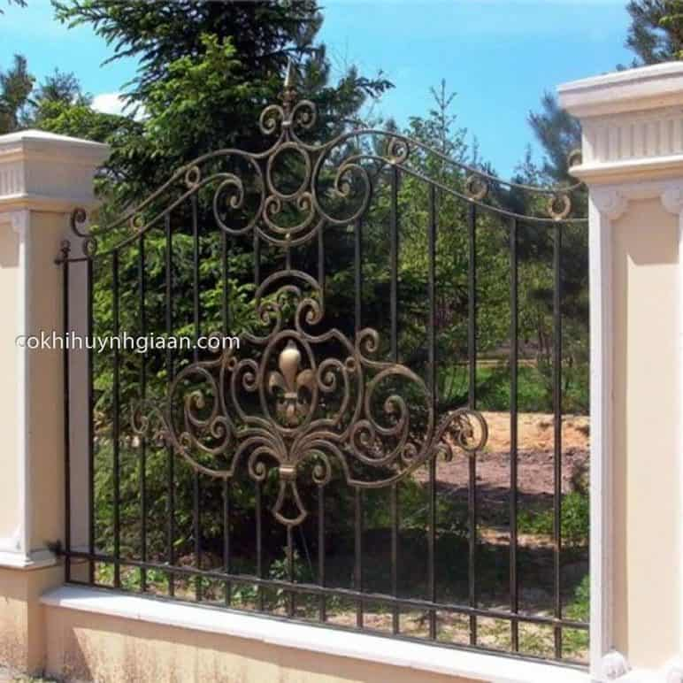 Hàng rào sắt mỹ thuật đẹp cho biệt thự