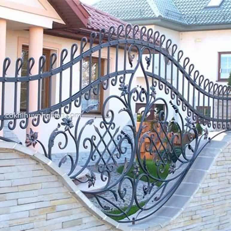 Hàng rào sắt mỹ thuật cầu kỳ