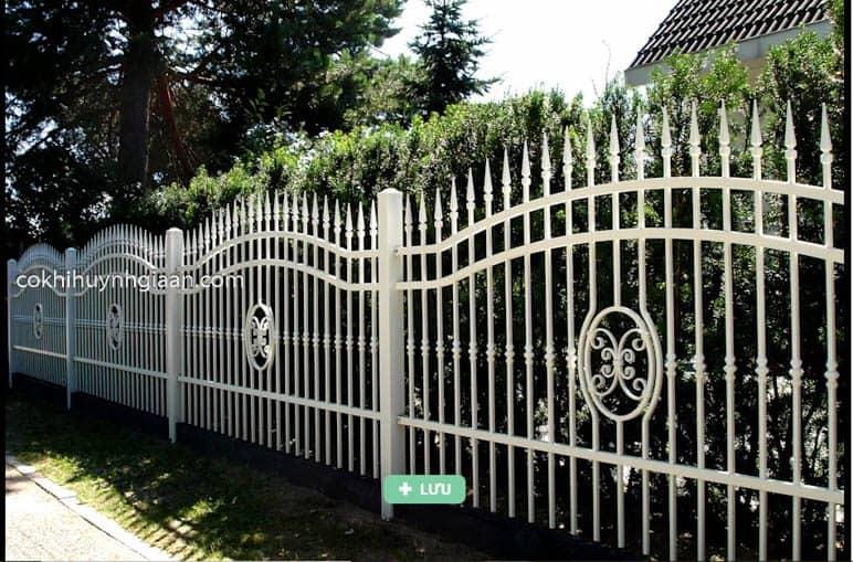 Hàng rào sắt đặc đơn giản