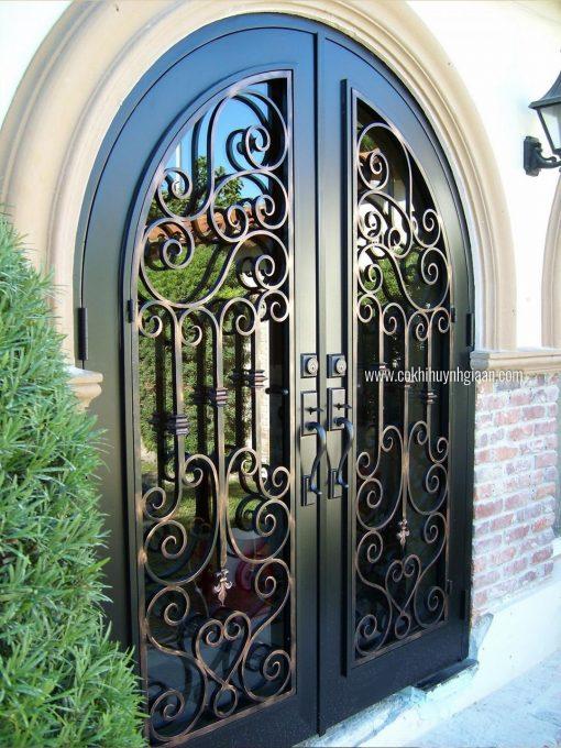 Cửa đi mỹ thuật CDMT1081 Mẫu cửa sắt có kính đẹp nhất