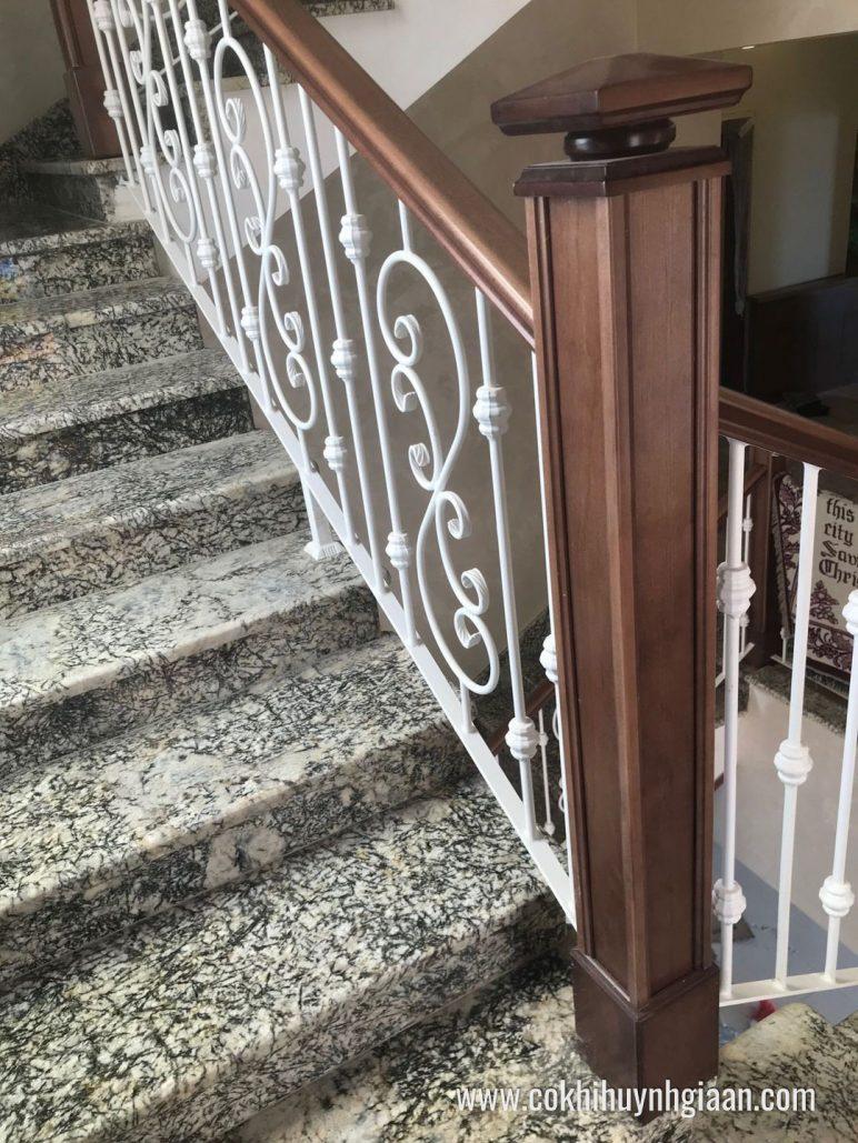Cầu thang sắt mỹ thuật CT1127