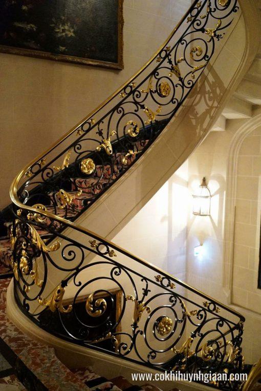 Cầu thang sắt mỹ nghệ CT1135