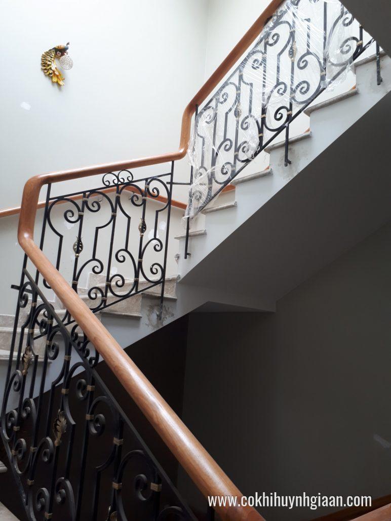 Cầu thang sắt nghệ thuật CT1140