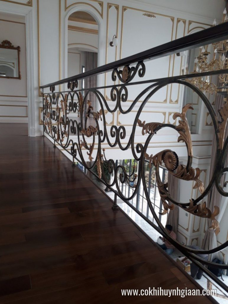 Cầu thang sắt nghệ thuật CT1140 đẳng cấp