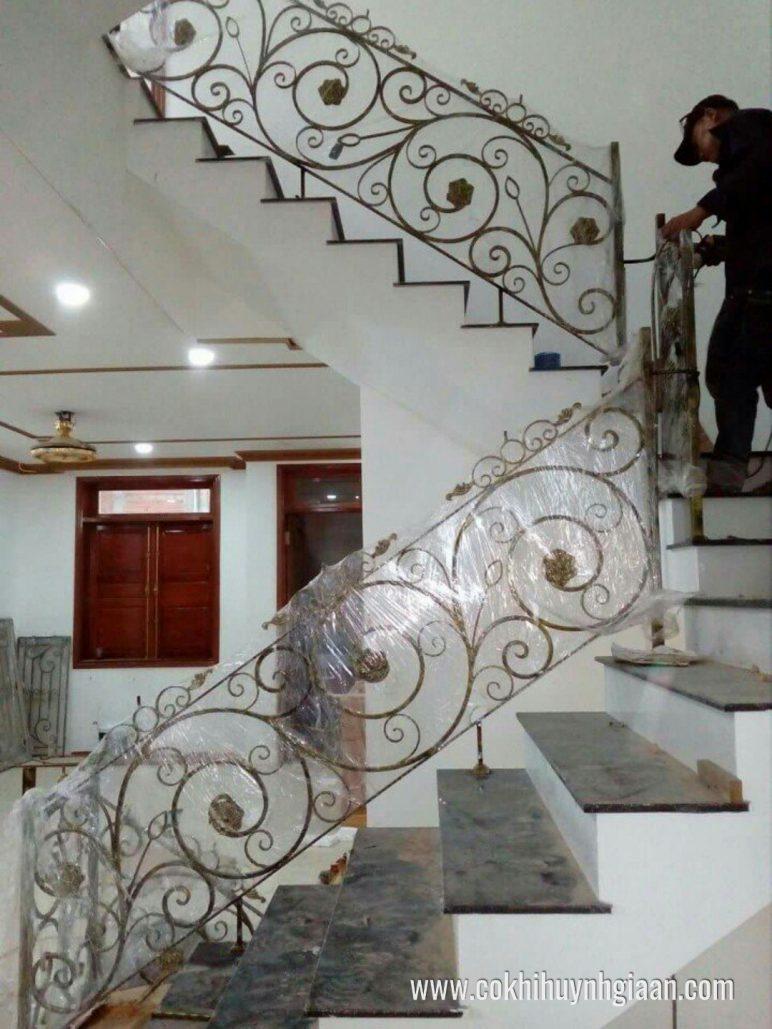 Cầu thang sắt nghệ thuật CT1147 thanh mảnh