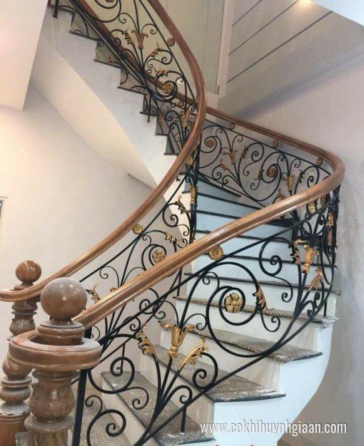 Cầu thang sắt nghệ thuật CT1149 an toàn