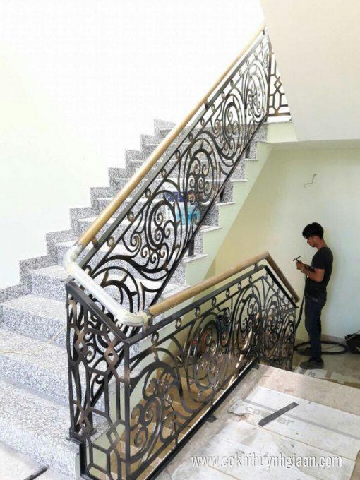Cầu thang sắt nghệ thuật CT1152 thiết kế hài hòa