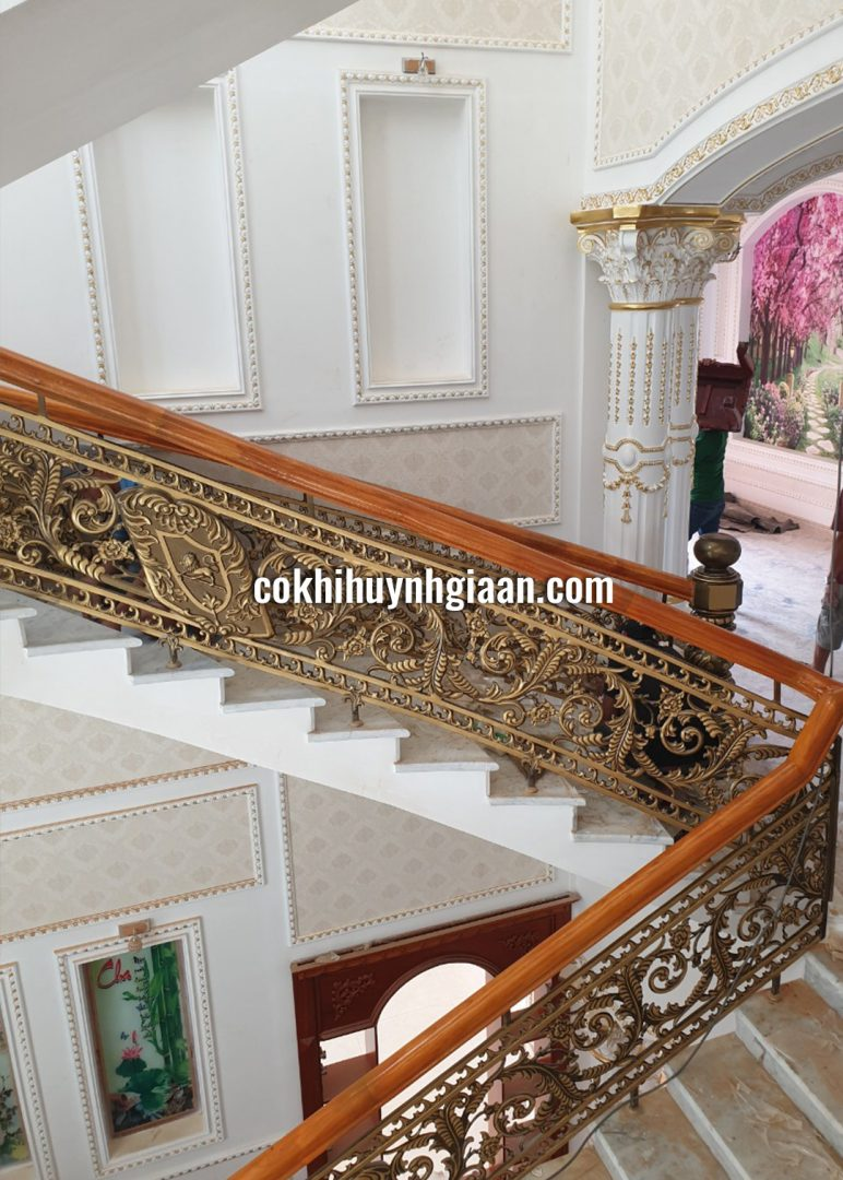 Cầu thang sắt nghệ thuật cao cấp CT1183