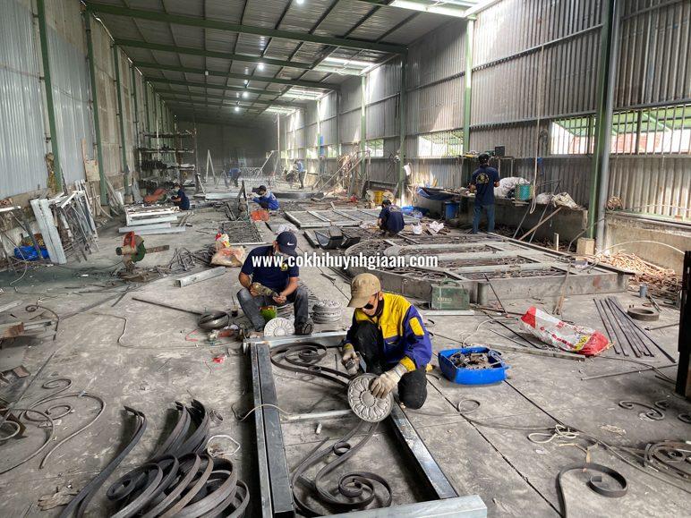 Xưởng sản xuất mới sắt mỹ thuật huỳnh gia an tại địa chỉ: B2/2K12 Ấp 2, xã Vĩnh Lộc A, Bình Chánh, Hồ Chí Minh