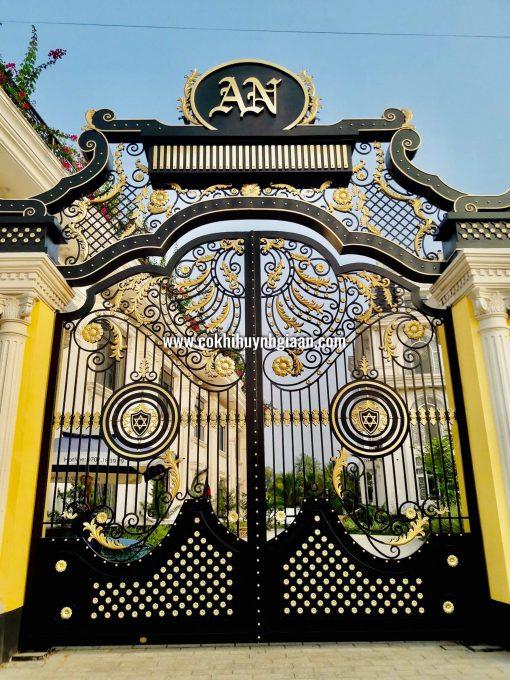 Cửa cổng Mỹ thuật CMT1115